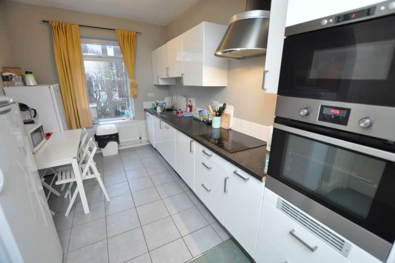 4 Bedrooms Flat for sale in Byron Street, Sandyford, Newcastle Upon Tyne