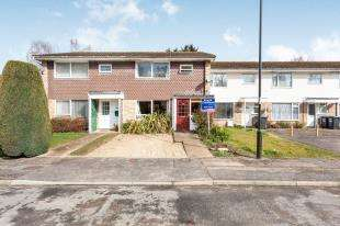 3 Bedrooms Terraced House for sale in Bricklands, Crawley Down, West Sussex