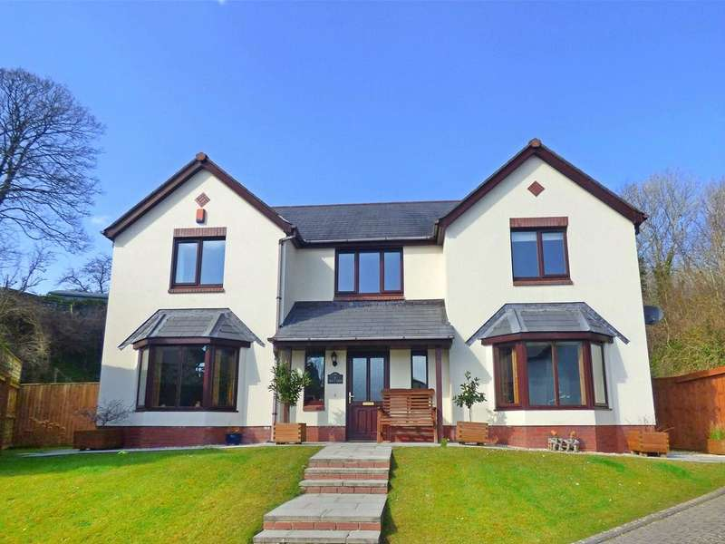 5 Bedrooms Detached House for sale in Grove Court Mews, Pembroke, Pembrokeshire