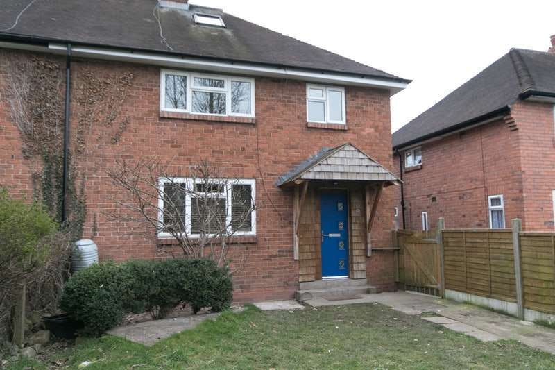 2 Bedrooms Flat for sale in Sycamore Drive, Oswestry, Shropshire, SY11