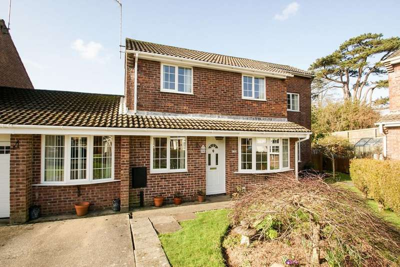 3 Bedrooms Link Detached House for sale in Greenwood Close, Sketty, Swansea, SA2