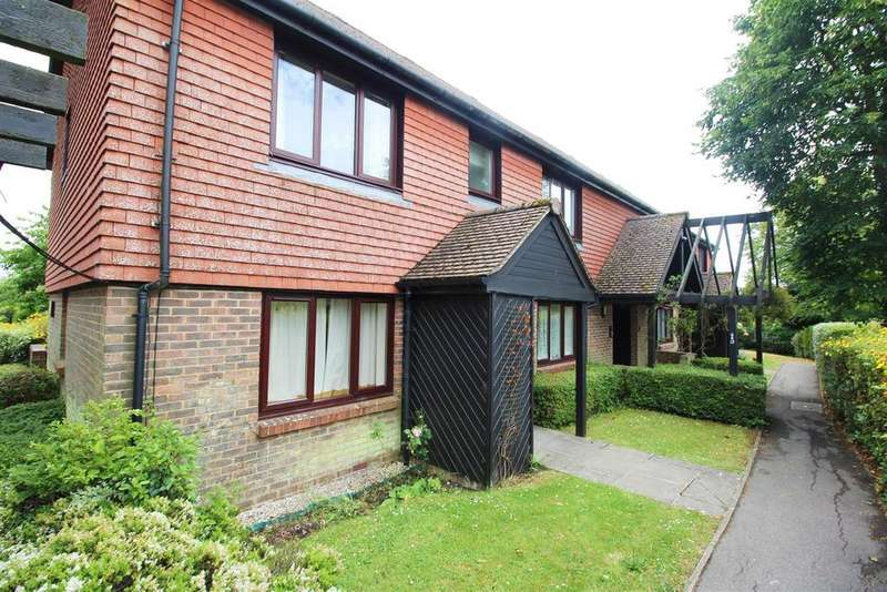 2 Bedrooms Apartment Flat for sale in Market Road, Battle, Battle