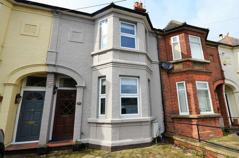 3 Bedrooms House for sale in Grange Road, Tongham