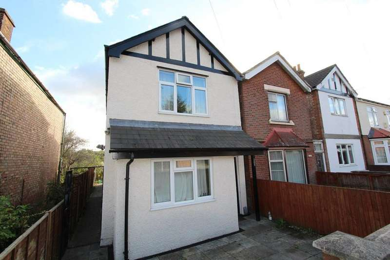 6 Bedrooms Detached House for sale in Harwich Road, COLCHESTER, CO4