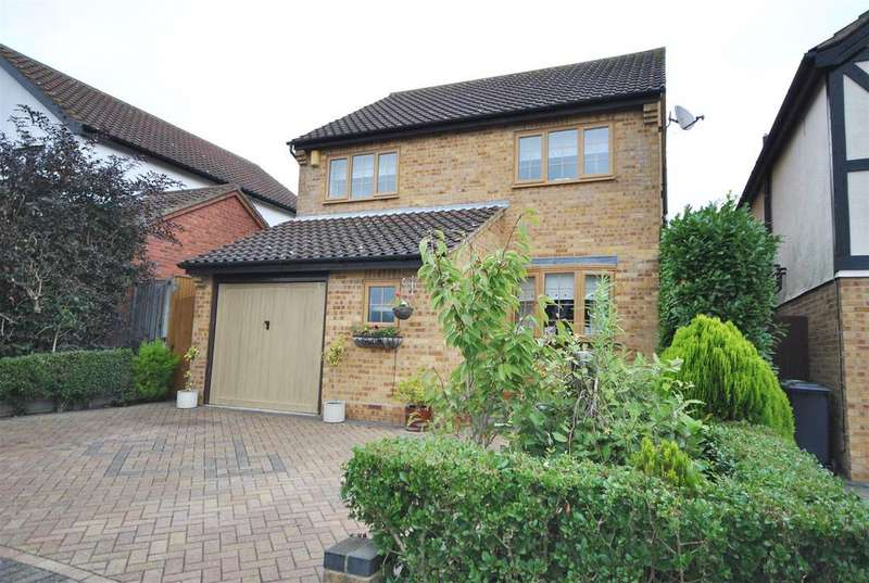 4 Bedrooms Detached House for sale in Springwood, West Cheshunt