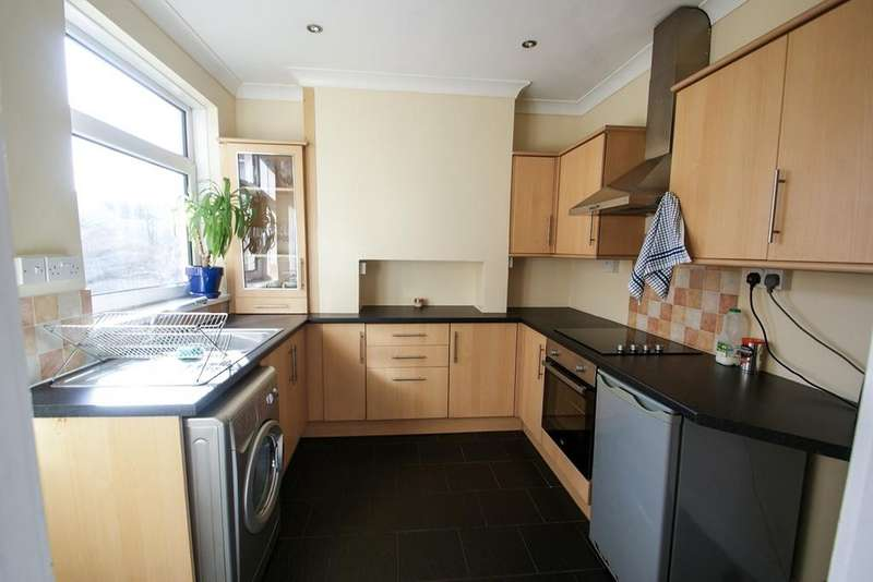 2 Bedrooms Terraced House for sale in Middle Road, Ravenhill, Swansea, SA5