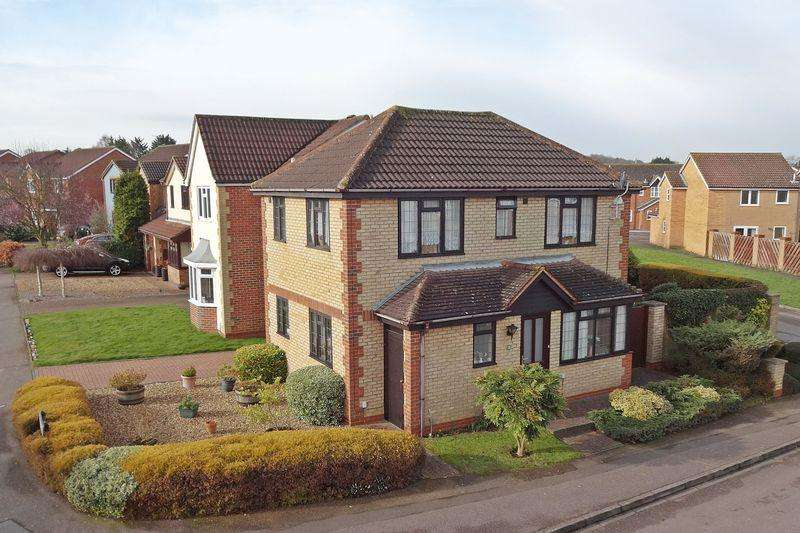 3 Bedrooms Detached House for sale in Salisbury Road, Flitwick