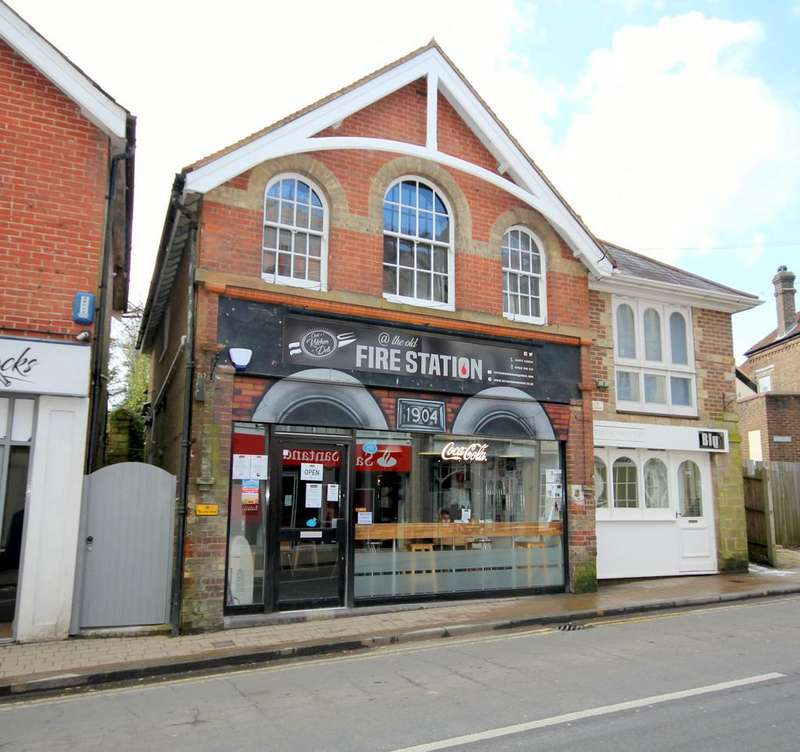 Studio Flat for sale in High Street, Crowborough