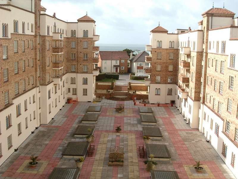 2 Bedrooms Apartment Flat for sale in Boscombe Spa, Bournemouth BH5