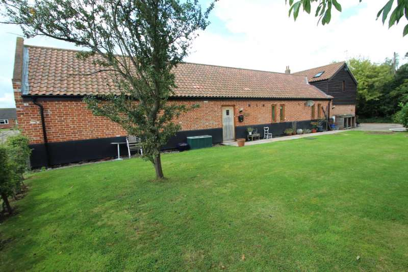 4 Bedrooms Barn Conversion Character Property for sale in The Green, Freethorpe