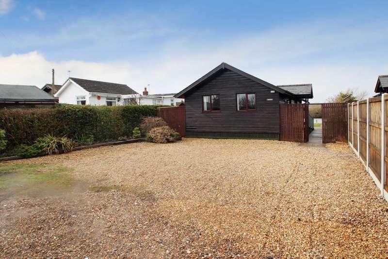 3 Bedrooms Bungalow for sale in Riverside Estate, Brundall
