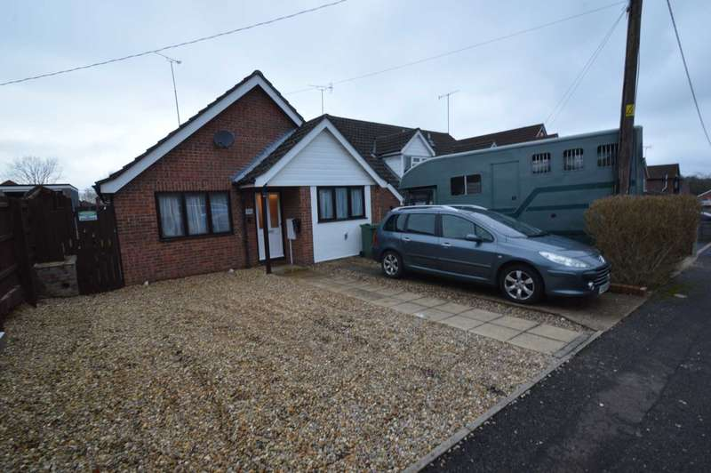 3 Bedrooms Bungalow for sale in Woodlands Road, New Costessey