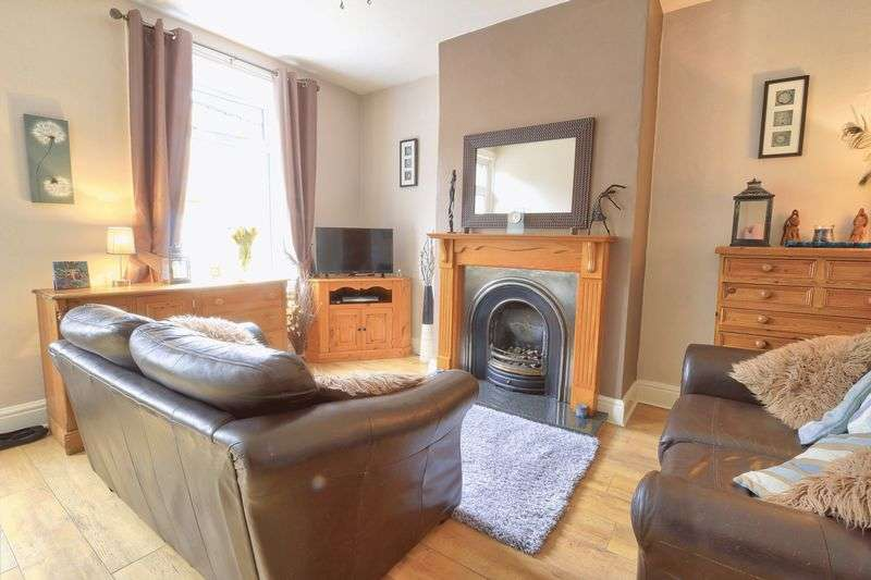 3 Bedrooms Property for sale in Oxford Street, Sowerby Bridge, HX6