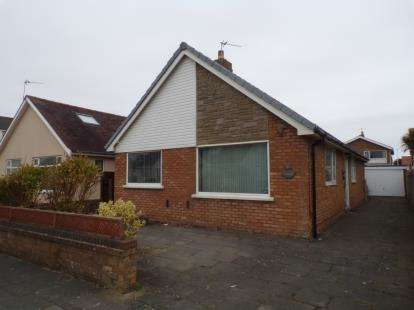 3 Bedrooms Bungalow for sale in Cherrywood Avenue, Thornton-Cleveleys, FY5