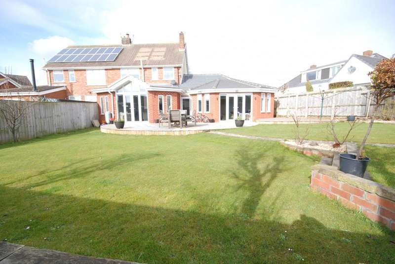 4 Bedrooms Semi Detached House for sale in Newark Drive, Whitburn