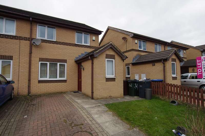 3 Bedrooms Semi Detached House for rent in HEATH HALL AVENUE, BRIERLEY, BD4 6JN