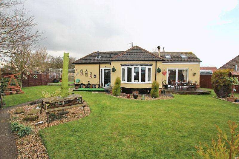 3 Bedrooms Detached Bungalow for sale in COMME COURT, FIELD HOUSE ROAD, HUMBERSTON