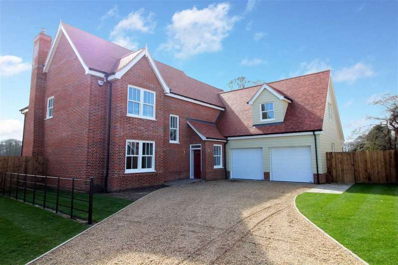 5 Bedrooms Detached House for sale in Straight Road, Foxhall, Ipswich, Suffolk