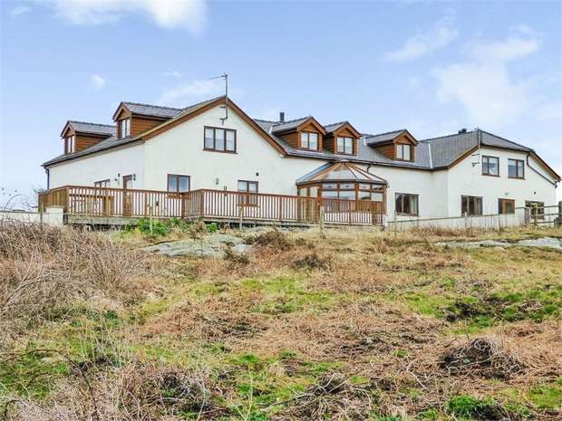 4 Bedrooms Semi Detached House for sale in Trefengan Farm, Holyhead, Anglesey