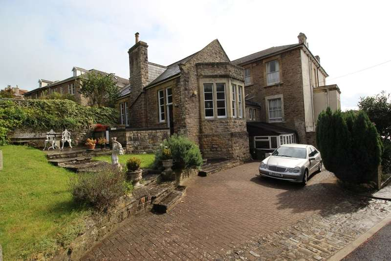 3 Bedrooms Semi Detached House for sale in Edgehill Road, Clevedon, BS21