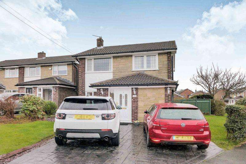 3 Bedrooms Detached House for sale in Barnfield Drive, Westhoughton