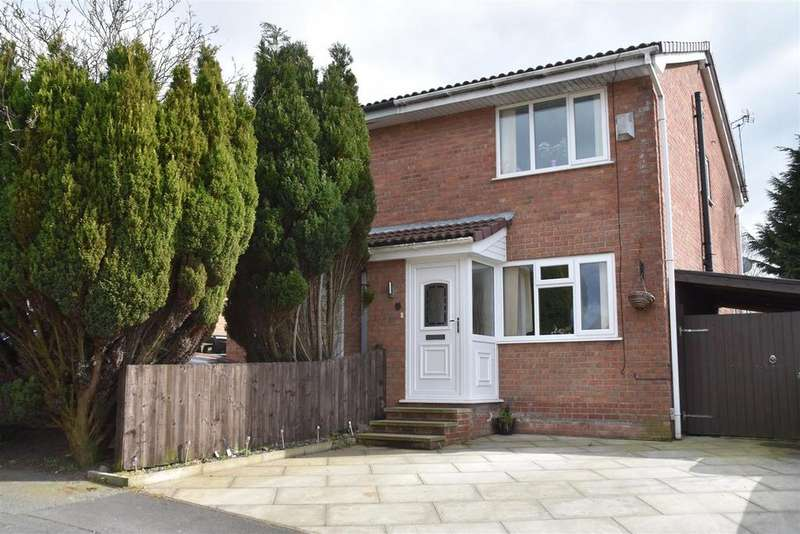 2 Bedrooms Semi Detached House for sale in Draperfield, Chorley