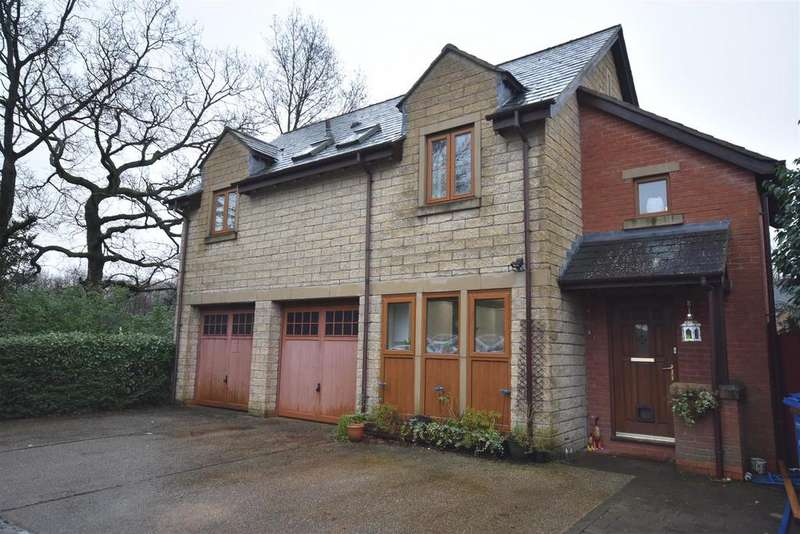 3 Bedrooms Detached House for sale in Wardle Court, Chorley