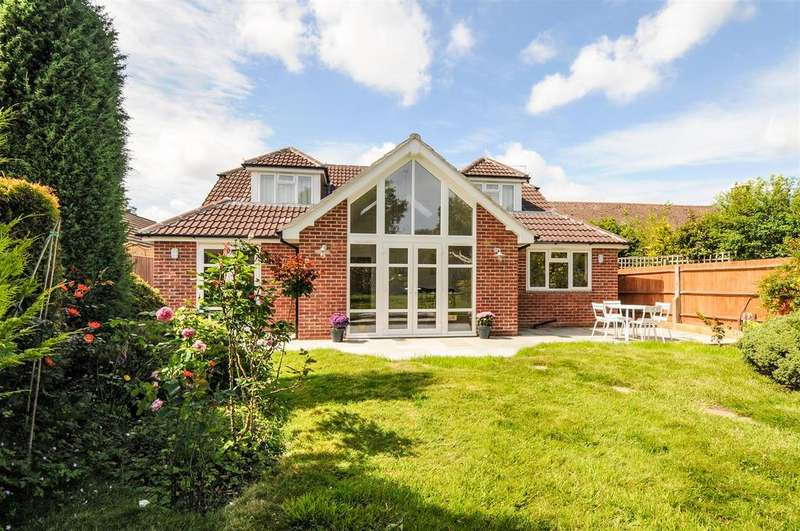 5 Bedrooms Detached House for sale in Cedar Drive, Chichester