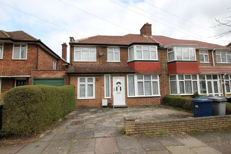 4 Bedrooms Semi Detached House for sale in Bullescroft Road, Edgware