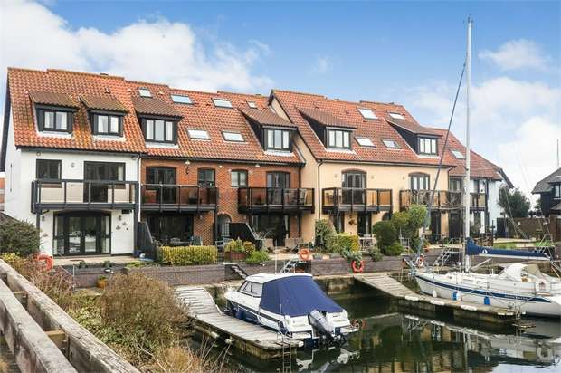 4 Bedrooms Town House for sale in White Heather Court, Hythe Marina Village, Hythe, Southampton, Hampshire