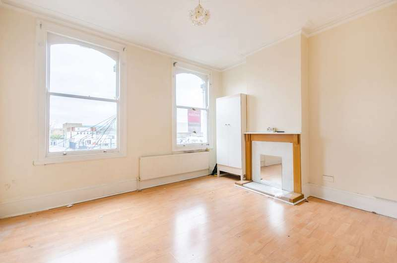 2 Bedrooms Maisonette Flat for sale in Old Kent Road, Peckham, SE15