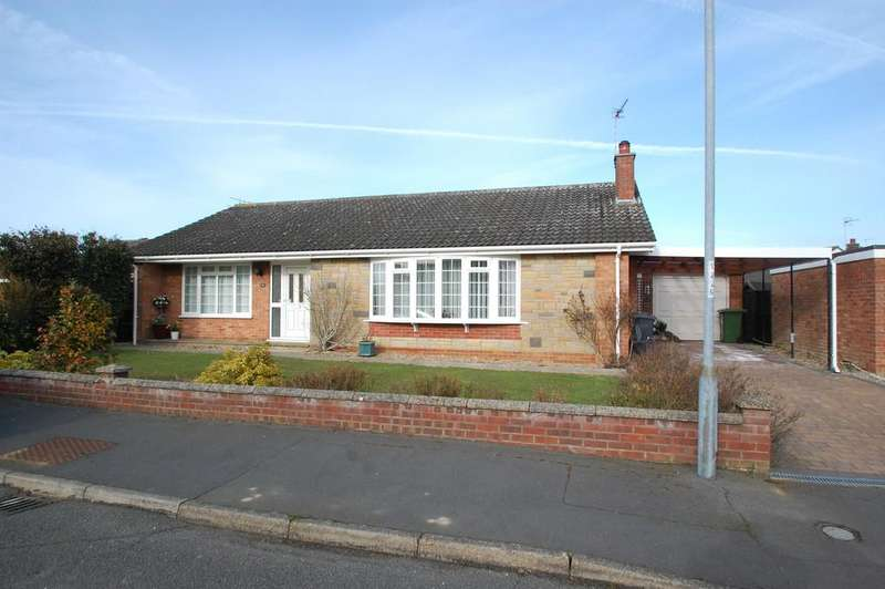 3 Bedrooms Detached Bungalow for sale in Baker Close, North Walsham