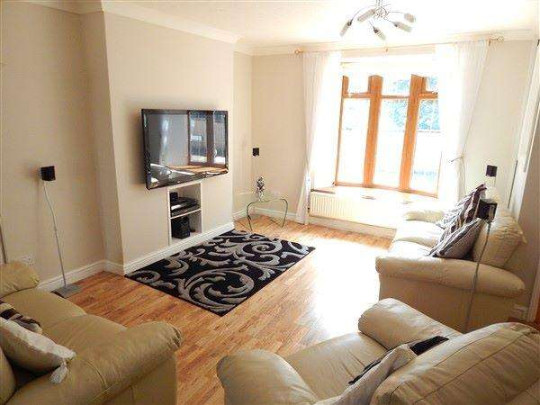2 Bedrooms Terraced House for sale in Roseheyworth Road, Abertillery, NP13 1SA