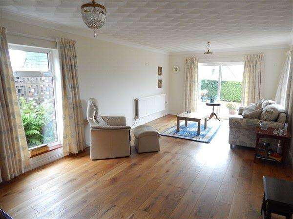 2 Bedrooms Detached Bungalow for sale in Fairways,Cwm Farm Road, NP13 2PA