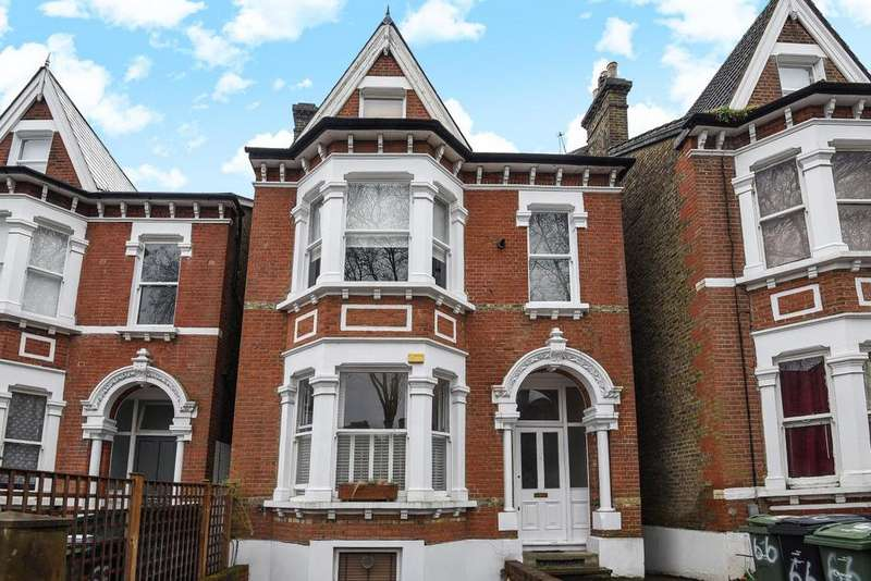 2 Bedrooms Flat for sale in Mount Nod Road, Streatham