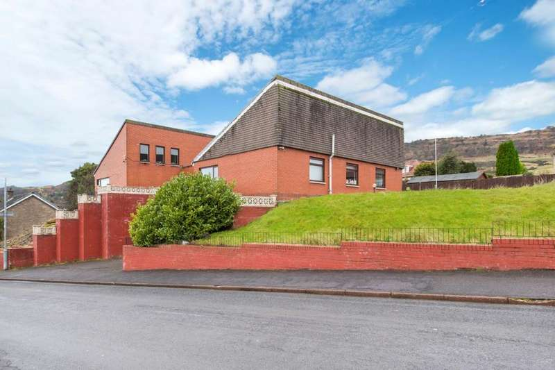 4 Bedrooms Detached Bungalow for sale in 14 Roman Crescent, Glasgow, G60 5NF