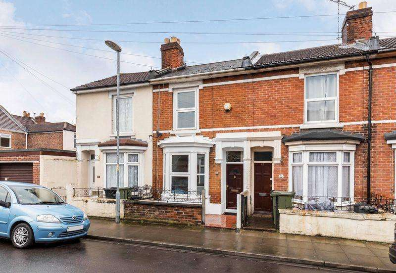 3 Bedrooms Terraced House for sale in Drayton Road, Portsmouth