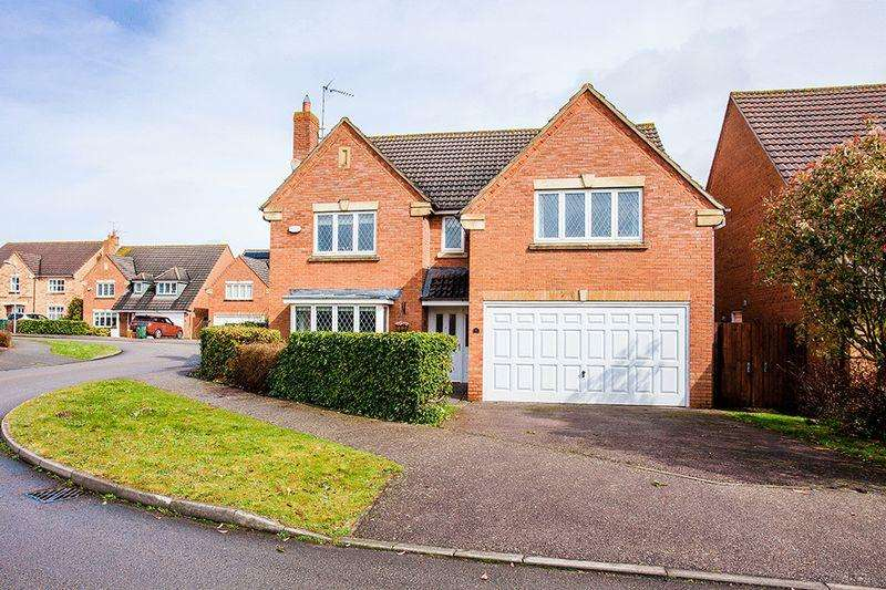 4 Bedrooms Detached House for sale in Treefields, Buckingham