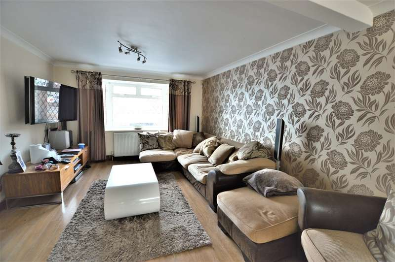 4 Bedrooms Terraced House for sale in Goodman Park, Slough SL2