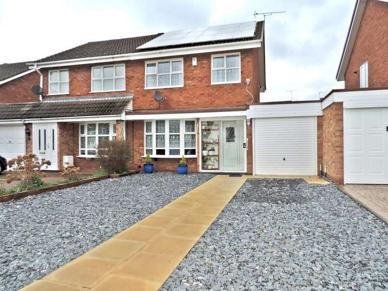 3 Bedrooms Semi Detached House for sale in Francis Close, Penkridge ST19