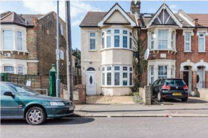 3 Bedrooms End Of Terrace House for sale in Goodmayes, London, United Kingdom