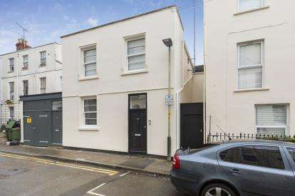 1 Bedroom Flat for sale in Grosvenor Street, Cheltenham, Gloucestershire, Cheltenham