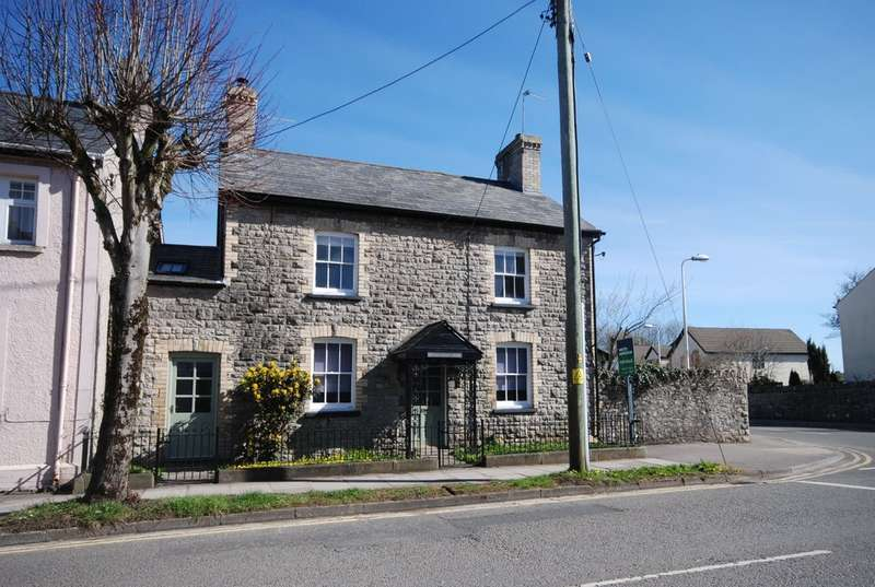 4 Bedrooms Cottage House for sale in Westgate, Cowbridge, Vale of Glamorgan CF71 7AQ