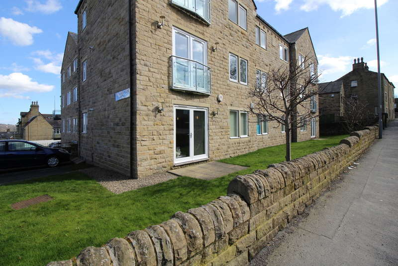 2 Bedrooms Flat for sale in Chapel Court, Idle