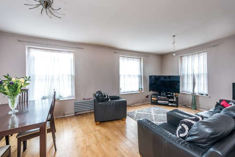 2 Bedrooms Flat for sale in Kennington Road, Kennington, SE11