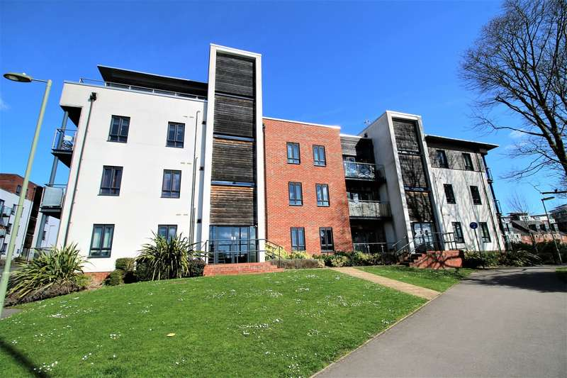 2 Bedrooms Apartment Flat for sale in Sinclair Drive, Basingstoke, Hampshire, RG21