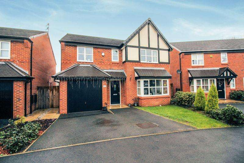 4 Bedrooms Detached House for sale in Cedar Fold, Bury