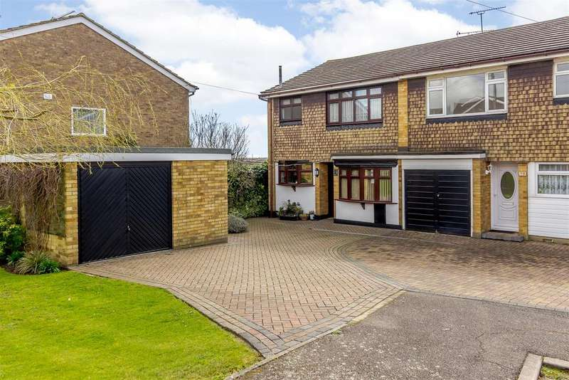 3 Bedrooms Semi Detached House for sale in Brackendale Avenue, Basildon