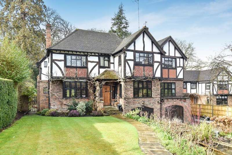 5 Bedrooms Detached House for sale in Merlewood Drive, Chislehurst