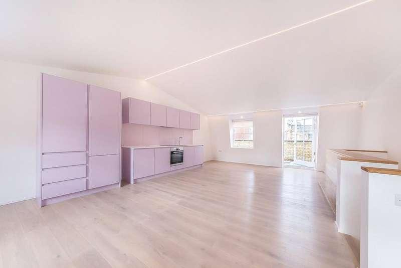 3 Bedrooms Apartment Flat for rent in Charterhouse Street, London, EC1M